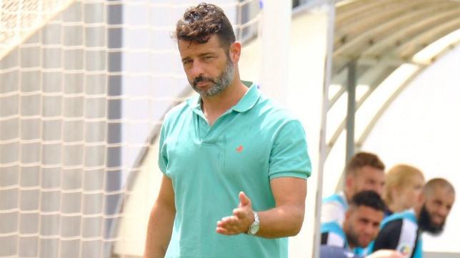 Mere, entrenador del Cádiz CF B. Foto: Cádiz CF.
