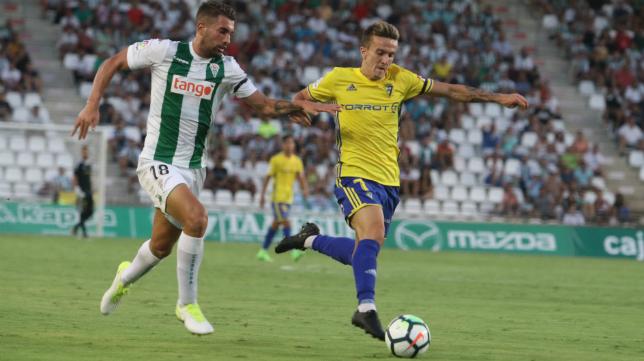 El Cádiz CF jugará contra el Córdoba en enero.