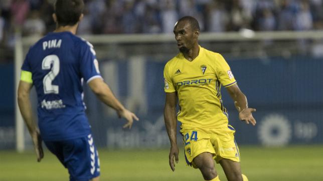 Abdullah en un partido con el Cádiz