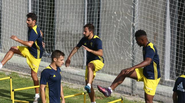 Carpio, Aitor, Moha Traoré y Brian, en un entrenamiento en El Rosal.