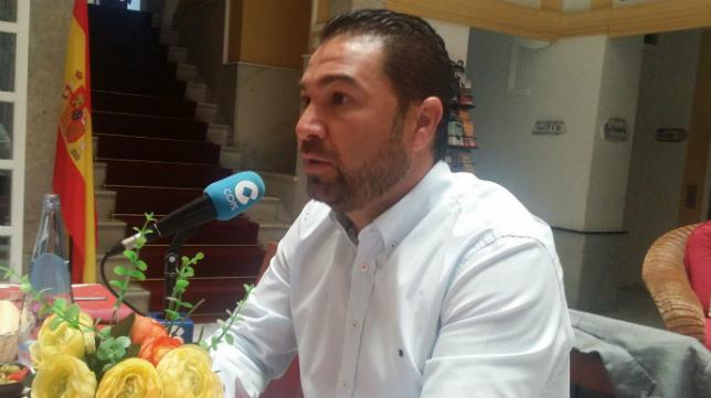 Juan Carlos Cordero ha estrenado hoy las tertulias de la cadena Cope en el hotel Las Cortes de Cádiz.