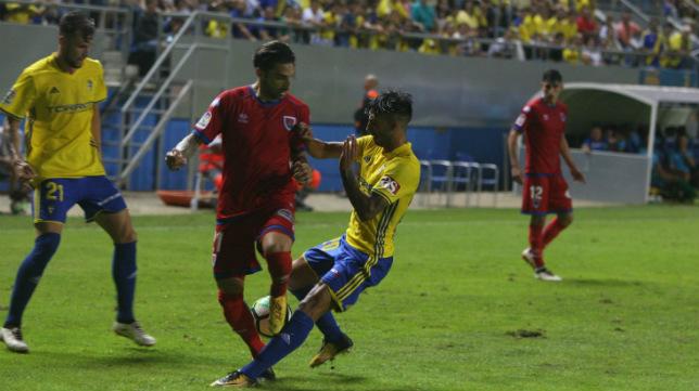 Nico Hidalgo en un lance del partido ante el Numancia