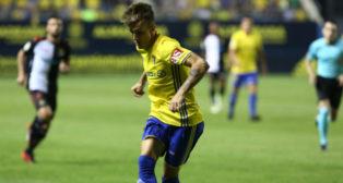 Salvi en un partido con el Cádiz CF