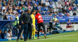 Álvaro Cervera en el Tartiere dando instrucciones