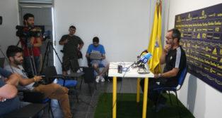 Cervera, en una rueda de prensa en El Rosal.