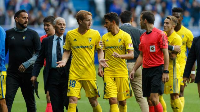 El Cádiz CF sufrió su primera derrota de la temporada en el Carlos Tartiere de Oviedo.
