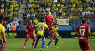 Los mediocentros del Cádiz CF cuajaron un gran encuentro ante el Numancia.