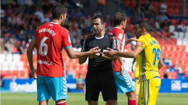 Ocón Arráiz, durante el CD Lugo-Cádiz CF.