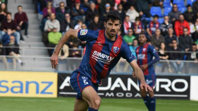 Juan Aguilera, centrocampista del Huesca. Foto: Cope Huesca.