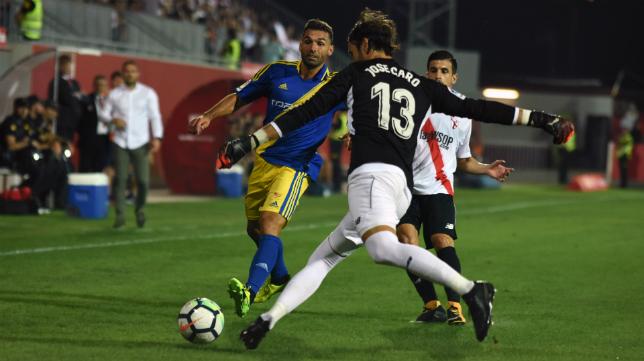 Barral no pudo marcar en Sevilla.