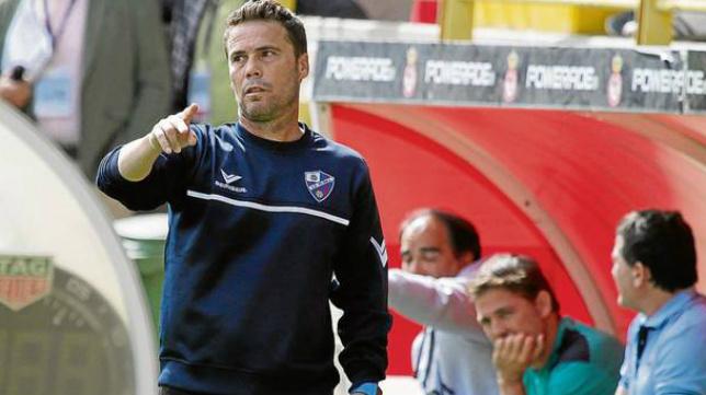 Rubi, entrenador de la SD Huesca.