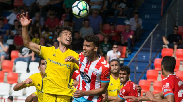 Marcos Mauro, en el choque ante el Lugo de la primera vuelta de la temporada pasada.