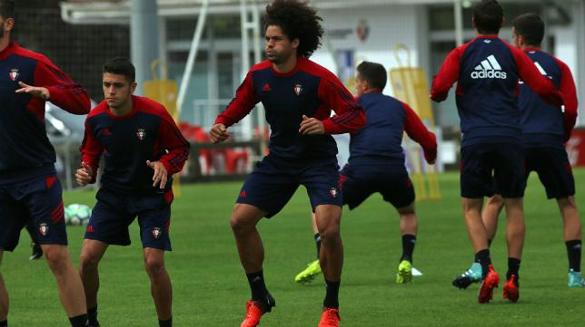 Aridane, en un entrenamiento con el Osasuna.