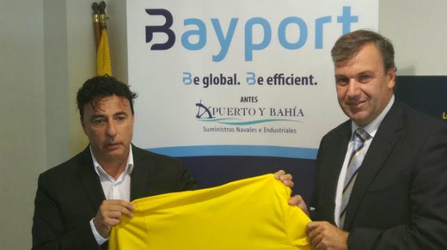 Quique Pina y Rafael Fernández, en el acto de la firma Bayport.