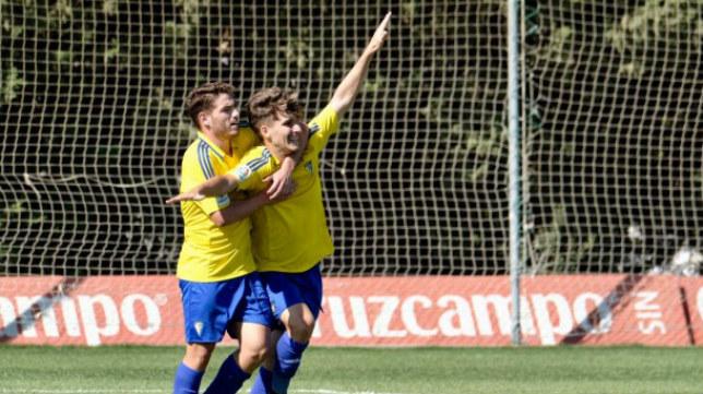 El Cádiz CF B volvió a ganar en El Rosal.