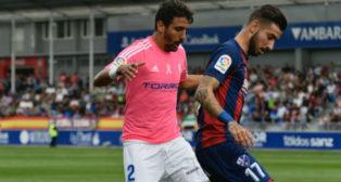 Javier Carpio, en un momento del duelo con Vadillo en  El Alcoraz