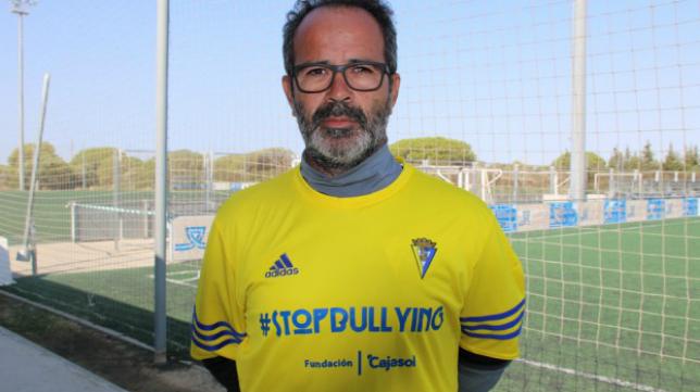 Álvaro Cervera y el Cádiz CF, contra el acoso escolar. Foto: Cádiz CF.