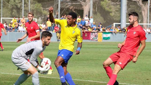 El Cádiz CF B pierde muchas opciones de ascenso.