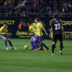 José Mari, Garrido y Álex dan consistencia y brillo al centro del campo del Cádiz CF.