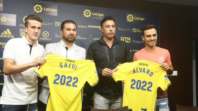 Salvi y Álvaro, renovados por el Cádiz CF.