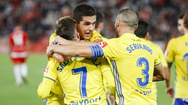 Salvi y Garrido son los jugadores del Cádiz CF que presentan mejores números.