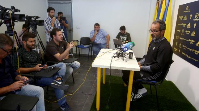 Álvaro Cervera, en una rueda de prensa.