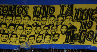 La pancarta que se ha desplegado en Fondo Sur, en la zona de Brigadas Amarillas.