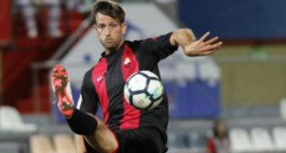 El Reus mantiene una temporada más sus señas de identidad sobre el césped.
