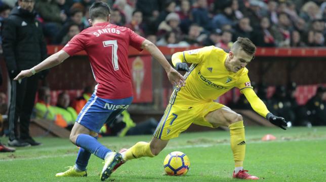Salvi completó un encuentro extraordinario en El Molinón ante el Sporting.