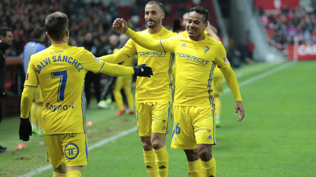 Salvi, Lucas y Servando celebran la victoria en Gijón