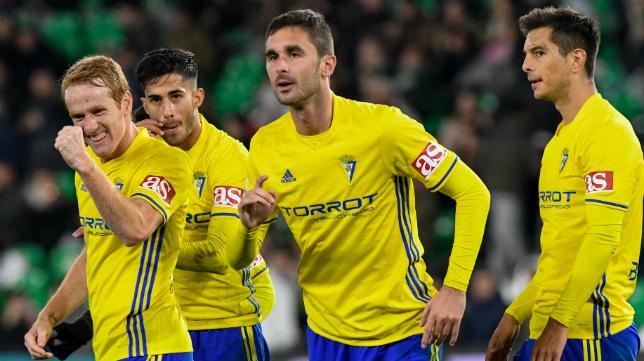 Celebración del gol de Kecojevic en Sevilla
