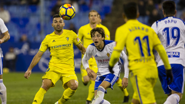 El Cádiz CF se impuso en La Romareda 0-2.
