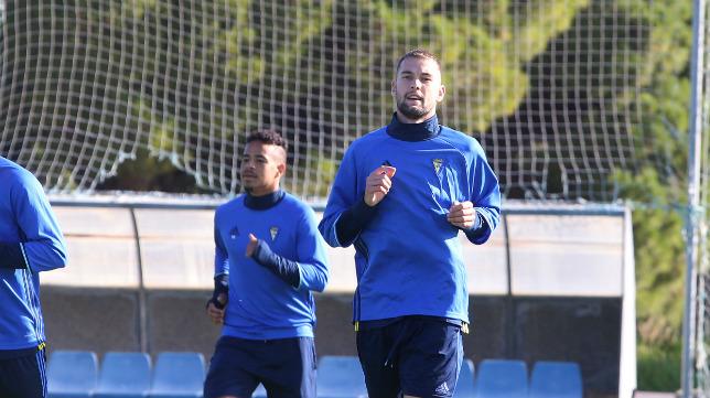Carrillo, en un entrenamiento con el Cádiz CF.