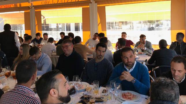 La comida de Navidad del Cádiz CF se celebró en Bajo de Guía.