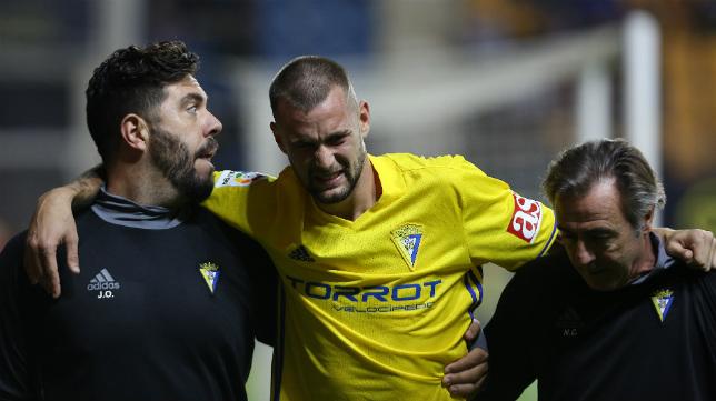Carrillo se lesionó ante el Barcelona B.