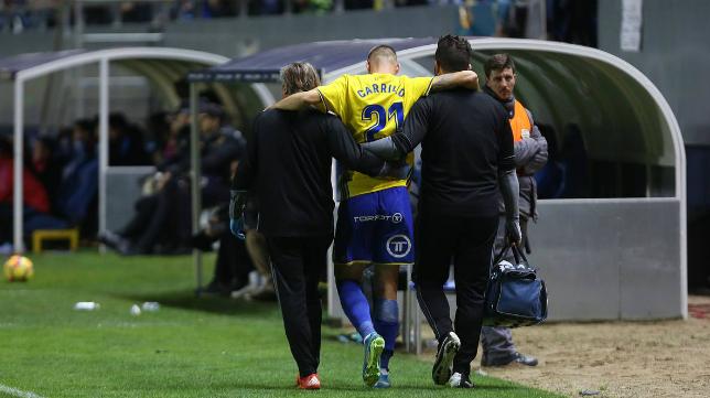 José Ángel Carrillo se tuvo que marchar lesionado ante el Barça B.