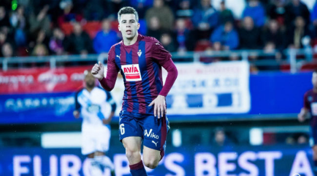 Cristian Rivera en un partido con el Eibar