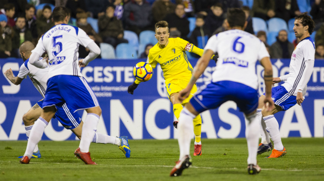 Salvi estuvo muy activo todo el partido y dio el segundo gol a Romera.