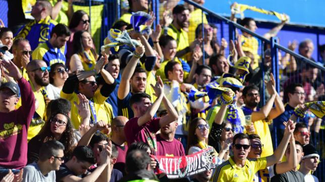 La afición del Cádiz CF estará en Santo Domingo una temporada más.