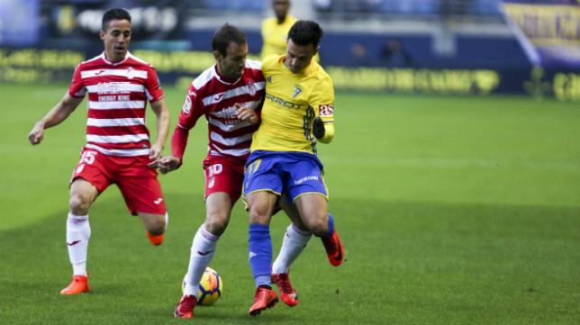 El Cádiz CF acaba segundo la primera vuelta de la competición.