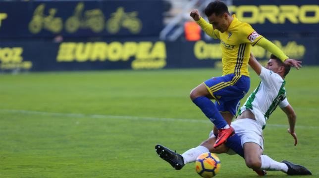 Álvaro García completó una actuación sobresaliente ante el Córdoba CF.