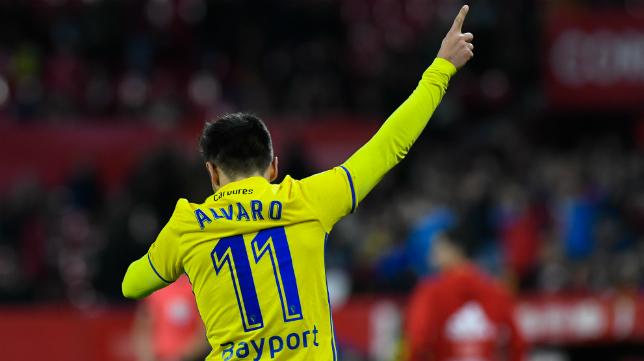 Álvaro García celebra un gol en el Sánchez Pizjuán.