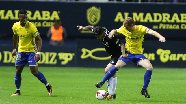 El Sevilla FC ganó 0-2 al Cádiz CF en la ida de la eliminatoria de Copa.