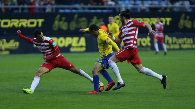 El Cádiz CF ganó en Carranza al Granada en el partido de ida.