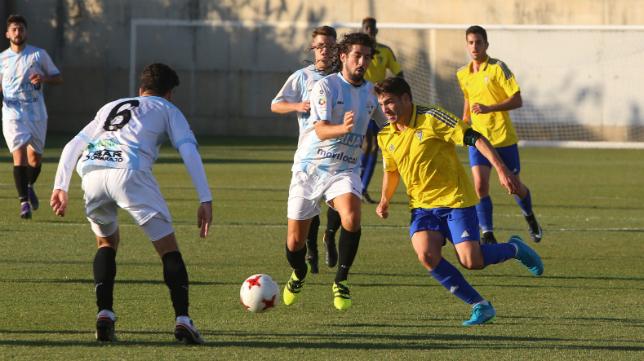 El Cádiz CF B afronta este domingo una nueva cita en El Rosal.