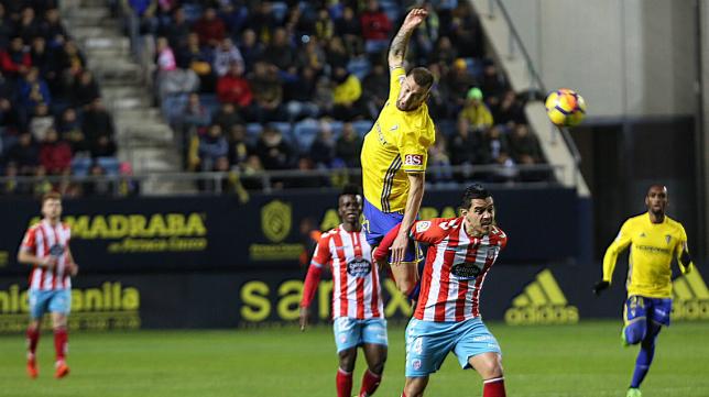 El Cádiz CF se dejó dos puntos ante el CD Lugo.
