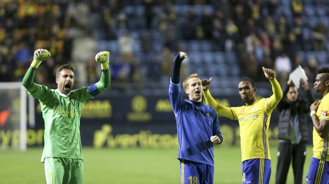 Cifuentes celebra la victoria del Cádiz CF ante el Granada.