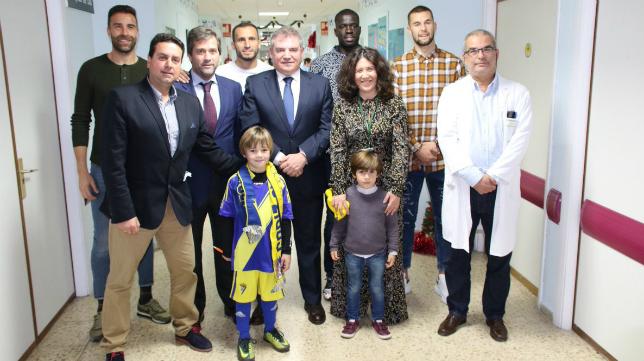 El Cádiz CF visitó a los enfermos este martes. Foto: Cádiz CF.