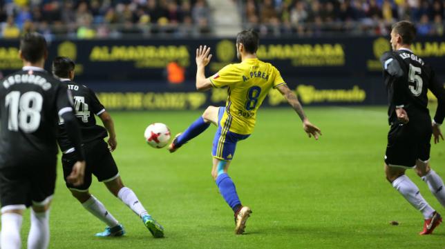Perea en un partido con el Cádiz CF