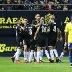 El Sevilla FC celebra uno de los goles ante el Cádiz CF.